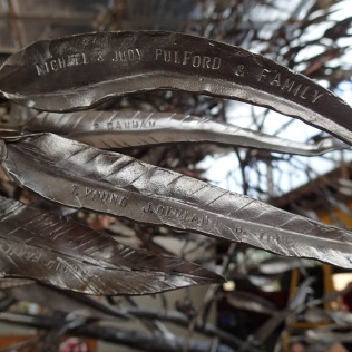 These metal leaves are part of the tree project of our friend Amanda, which was created by numerous blacksmiths across the world to remember the devastating bushfires in Victoria of 2009 (www.treeproject.abavic.org.au)