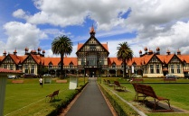 This gorgeous bathhouse was once built to attract the global jet set to Rotorua and now serves as city museum