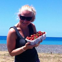 STRAWBERRIES! YUMM! (sorry to everybody who's freezing in Germany right now)