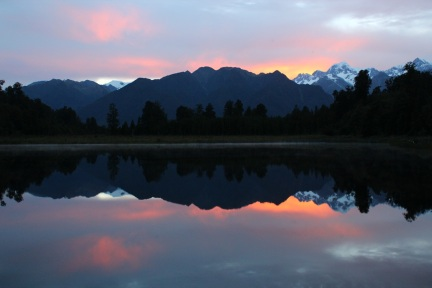 Lake Matheson sunrise