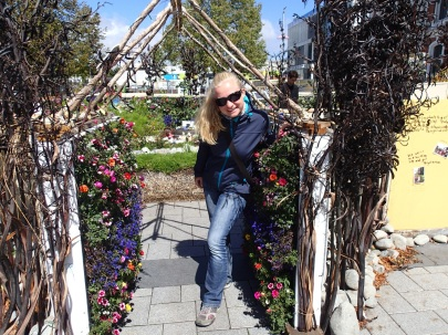 flower show archway
