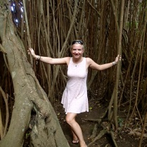 Bea and the big Banyan