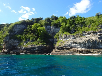 boat ride along Tanna's beautiful coastline up to Lemnap Cave