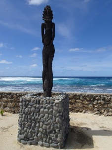 black palm statues