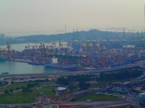 Singapore's impressive container harbour ...
