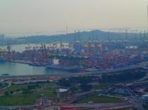 Singapore's impressive container harbour ...